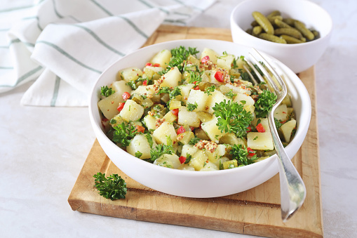 Healthy and simple potato salad with dill (no mayo)