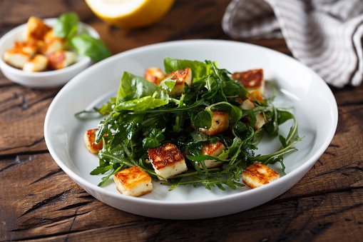 Halloumi Salad Recipe with pomegranate sauce and lemon juice